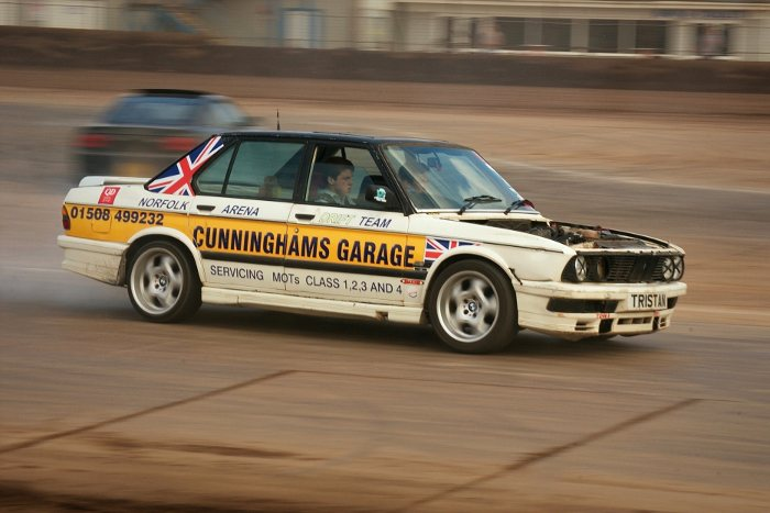 BMW E28 drifting